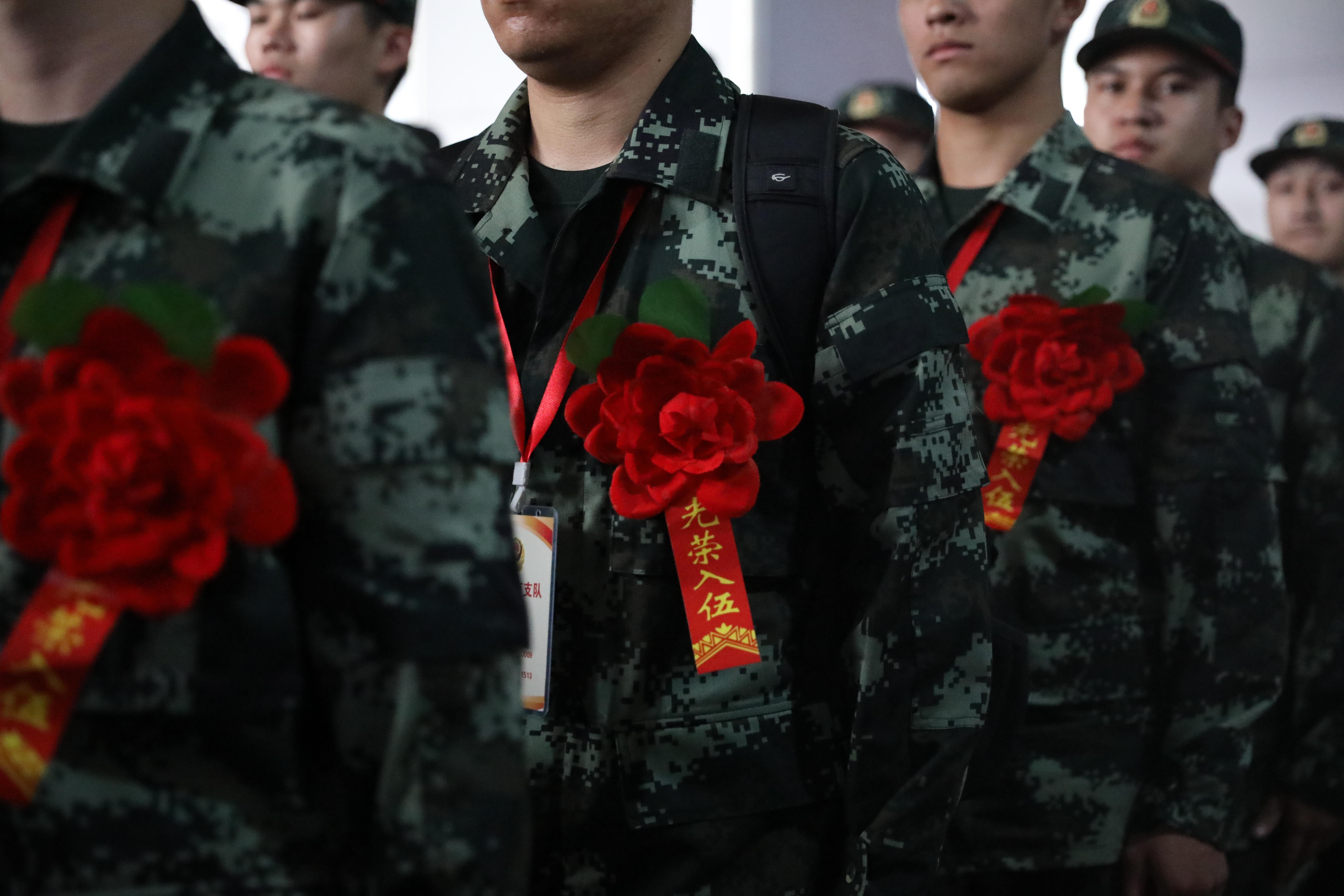 """新""""血液""""注入武警济南支队 50名江苏籍新战友来报道"""