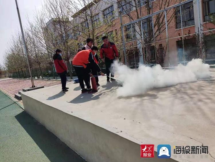 莒县棋山镇中心小学:做好消防安全演练,筑牢校园安全壁垒